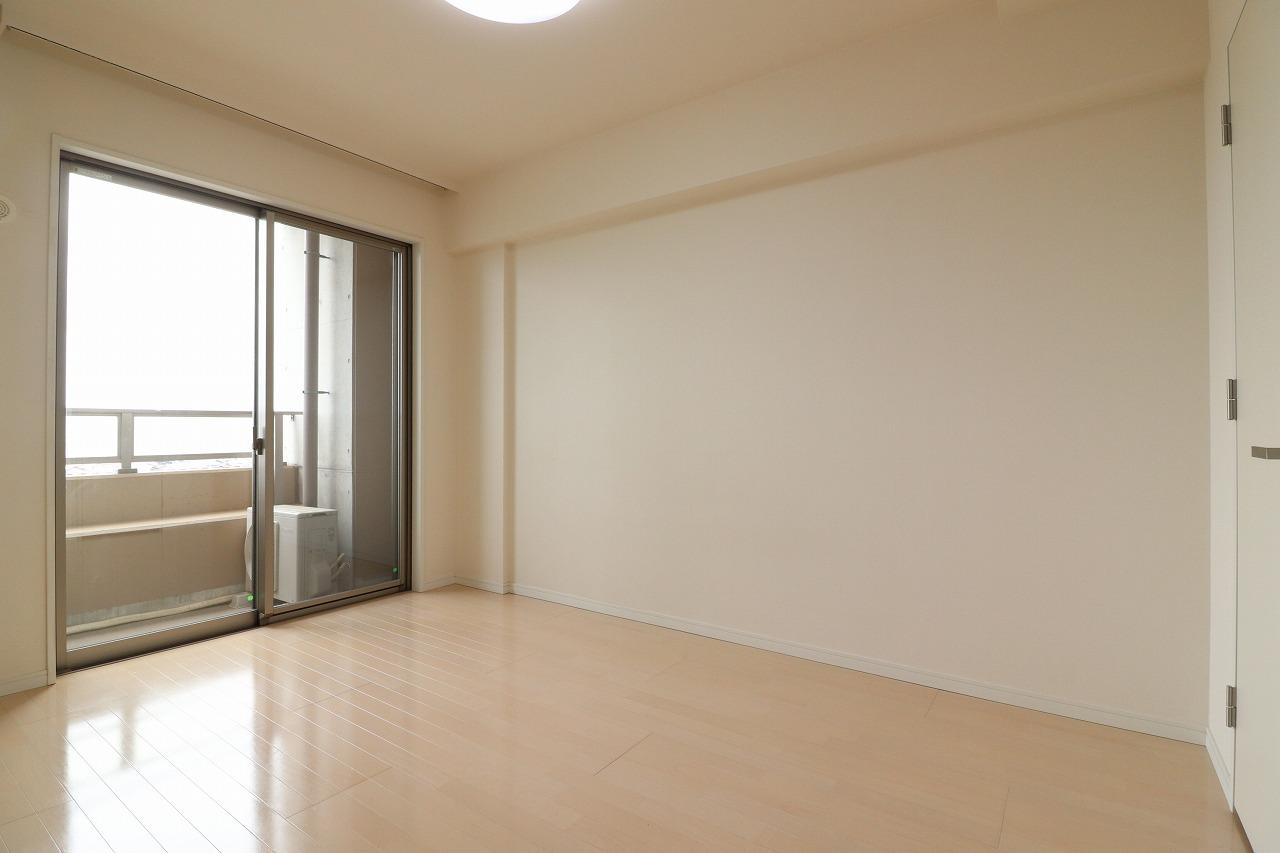 デザイナーズプレイス押野アートレジデンス7階・車庫
