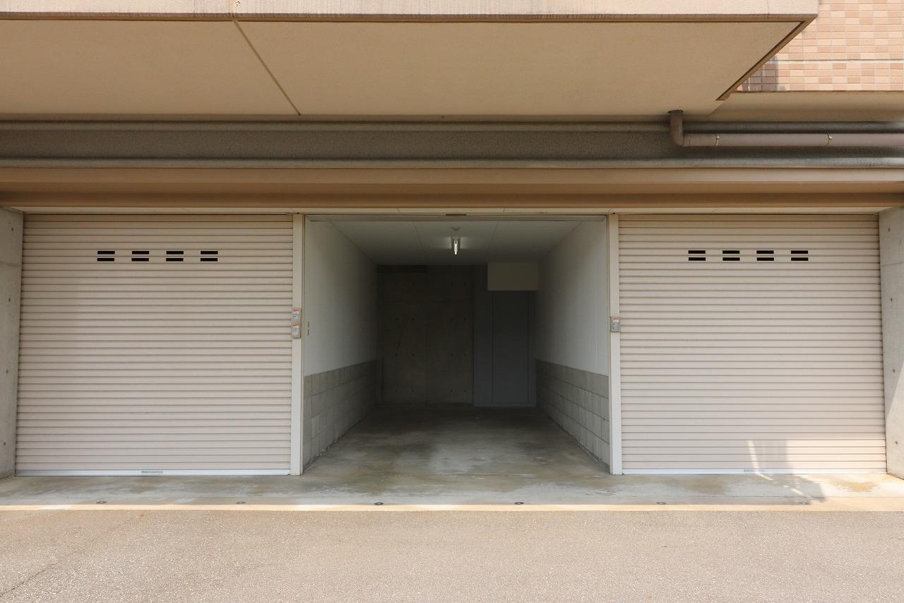 分譲マンション デザイナーズプレイス押野アートレジデンス7階・車庫