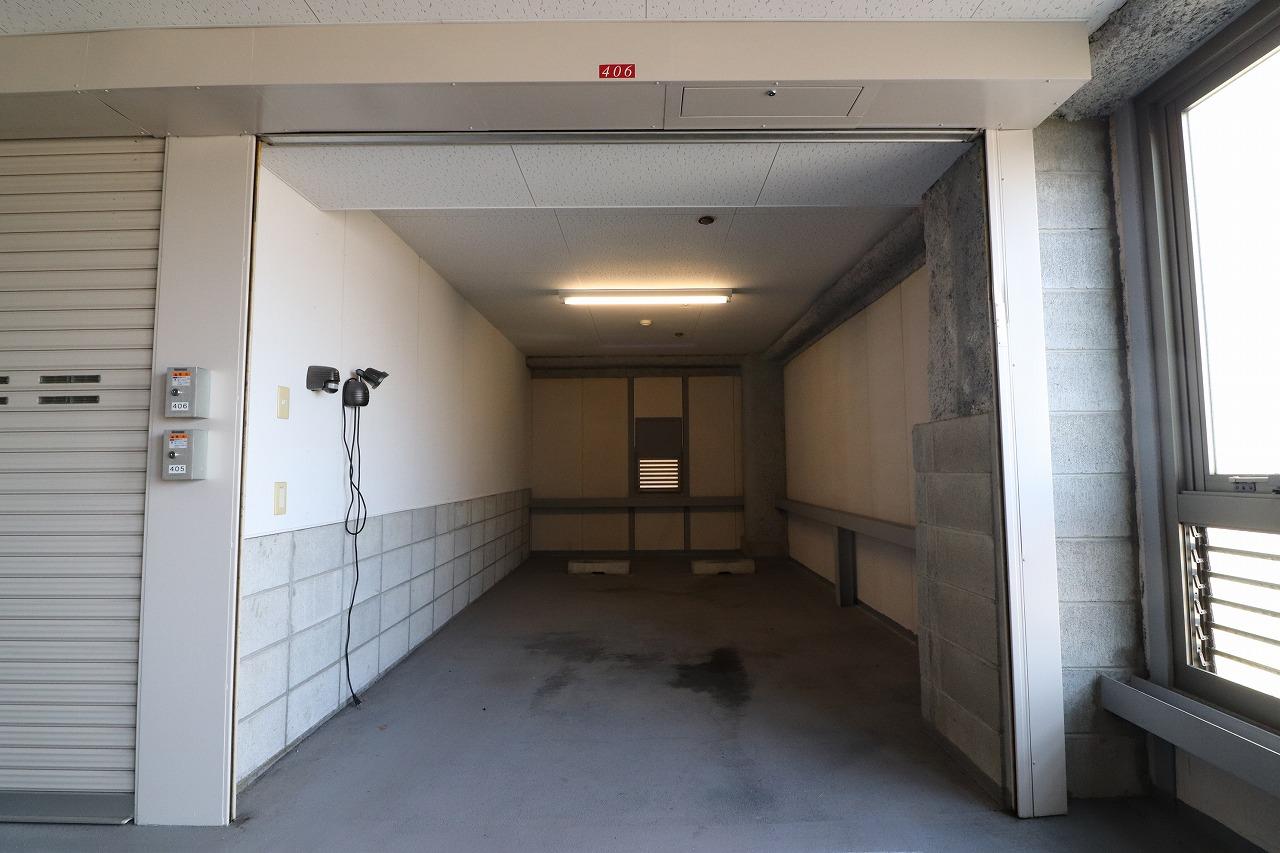 アパガーデンズ駅西けやき通り5階・車庫