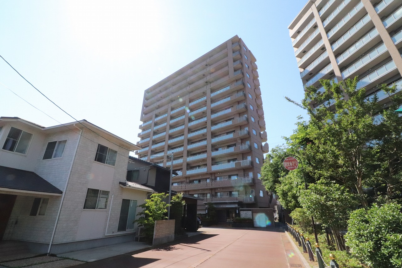 プレミア東金沢駅前11階